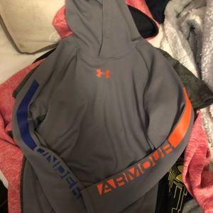 Underarmour light sweatshirt